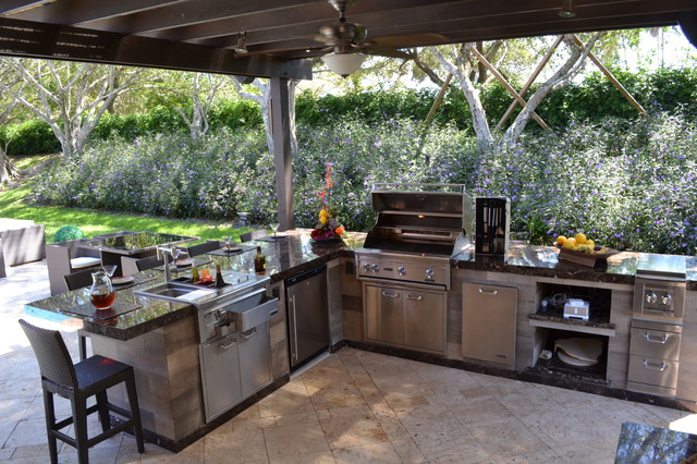 Outdoor kitchen and pergola project in south florida traditional patio other by luxapatio for Outdoor kitchen designs with pergolas