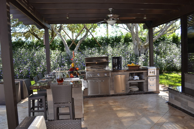 Outdoor kitchen and pergola project in south florida for Outdoor kitchen ideas houzz