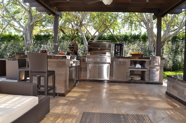 Outdoor Kitchen And Pergola Project In South Florida