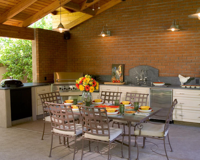 Outdoor kitchen traditional patio phoenix by for Traditional outdoor kitchen designs