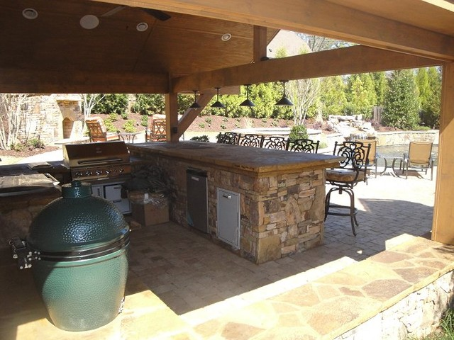 Backyard Bar And Grill : Outdoor Kitchen Bar and Grill  Traditional  Patio  atlanta  by