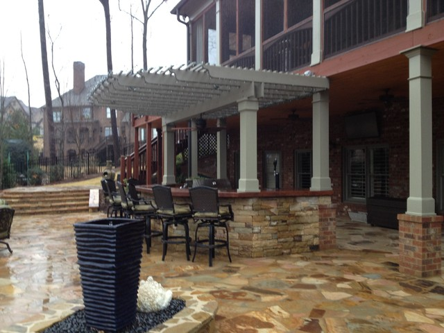 Outdoor Kitchen Bar and Grill traditional-patio