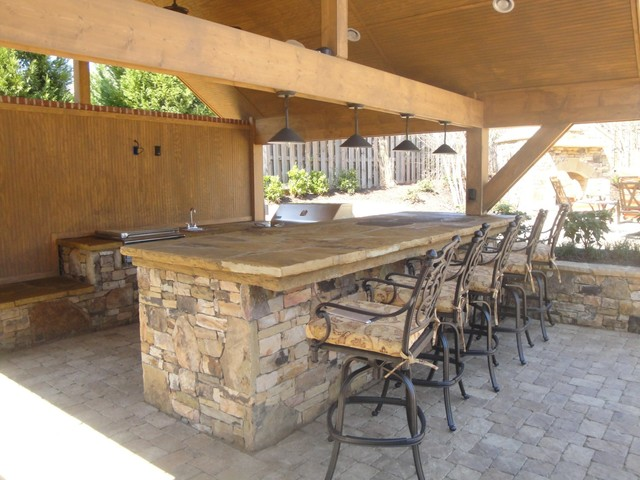 Outdoor kitchen bar and grill traditional patio for Outdoor kitchen bar plans