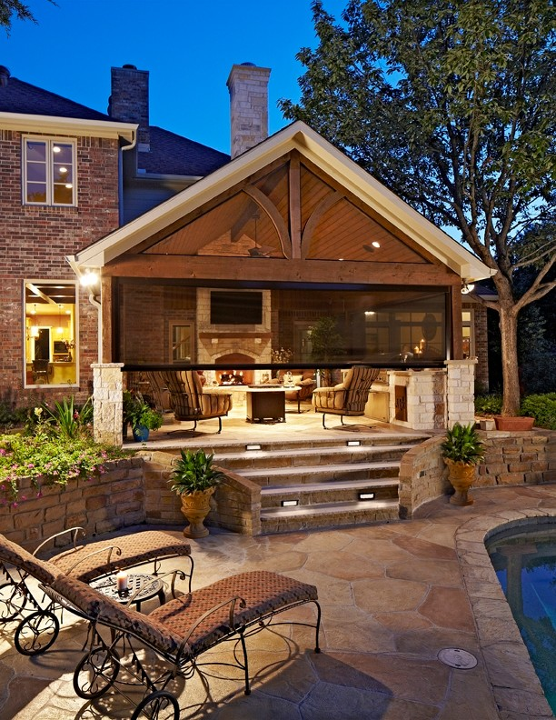 Outdoor Kitchen - Traditional - Patio - Dallas - by ...