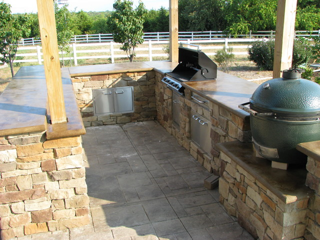 Outdoor Kitchen Construction - Traditional - Patio - Kansas City ...