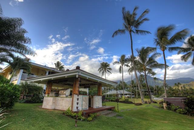 Outdoor Kitchen - Hawaii beach-style-patio