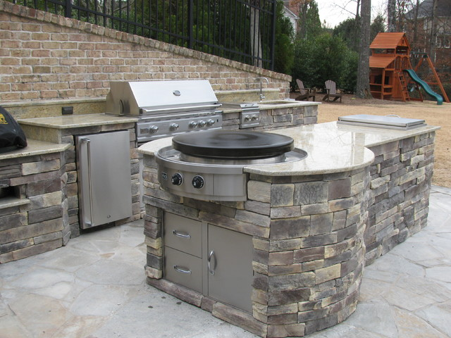 outdoor kitchen installations with evo circular cooktop