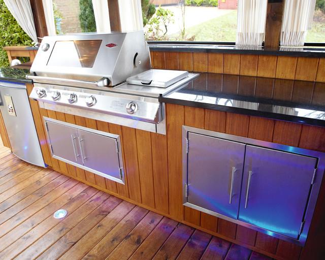 Outdoor Kitchen Manchester modern-patio