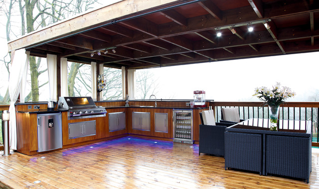 Outdoor kitchen manchester modern patio manchester for Outdoor kitchen ideas houzz