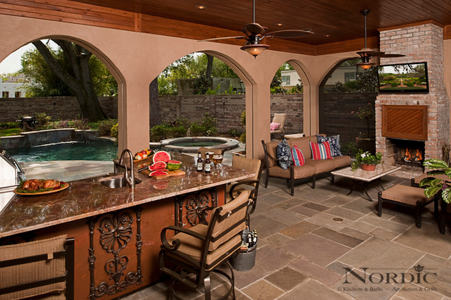 Miraculous Outdoor Kitchen Traditional Patio New Orleans By Home Interior And Landscaping Palasignezvosmurscom