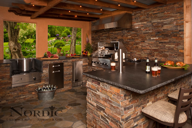 Outdoor Kitchen - Traditional - Patio - new orleans - by ... on Houzz Backyard Patios id=49359