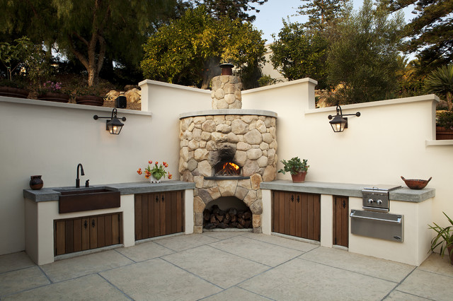 Outdoor Kitchen Mediterranean Patio