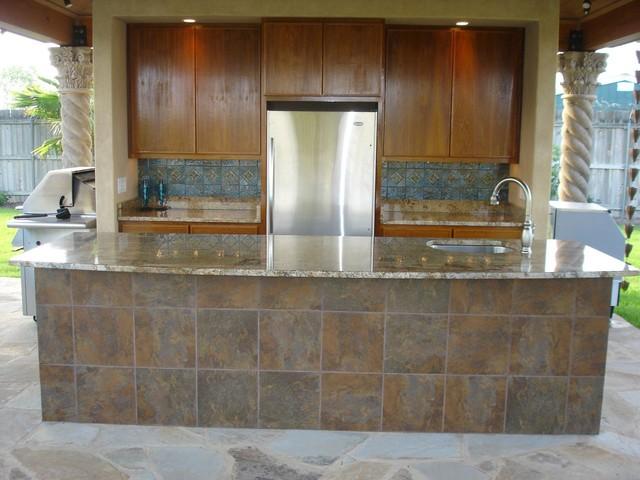 outdoor kitchen  tile back splash bar tile granite