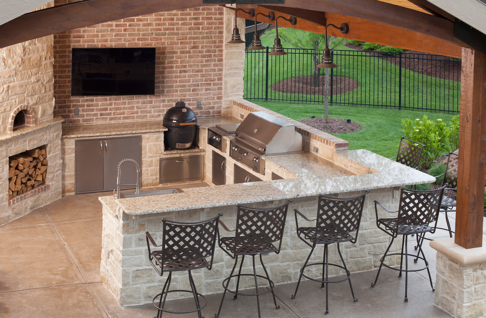 Outdoor Kitchen, Wichita, KS. - Traditional - Patio ...