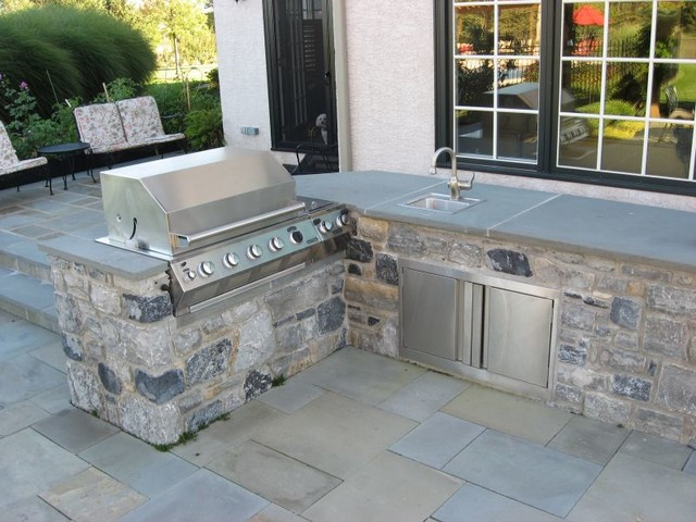 Outdoor Kitchen With Bluestone Patio Traditional