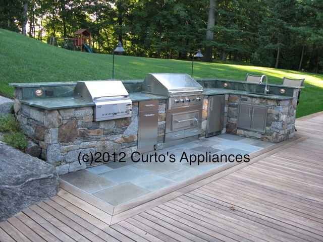 Outdoor kitchen with capital grill lynx and