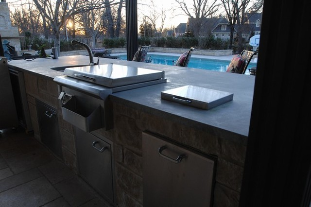 Countertop Gas Grill Outdoor : Outdoor Kitchen with Clean Concrete Countertops with Charcoal and Gas ...