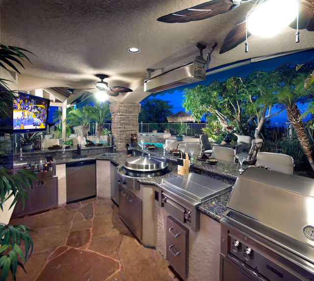 Outdoor Kitchen With Evo Circular Cooktop