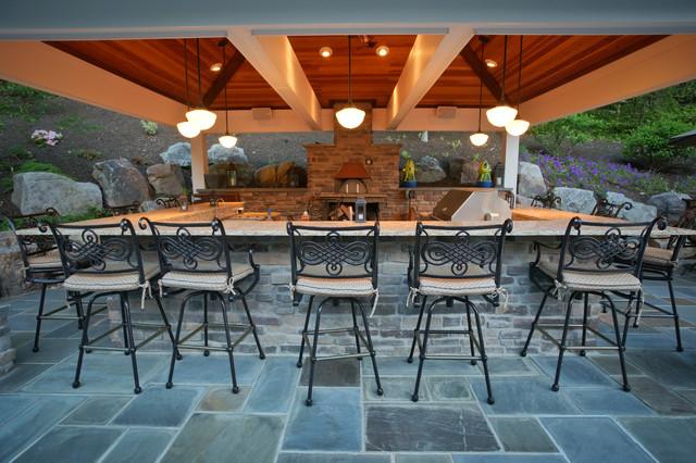 Outdoor kitchen with pizza oven traditional dc metro for Outdoor kitchen designs with pizza oven