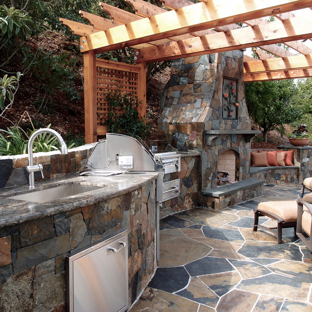 Outdoor kitchens and fireplaces mediterranean patio for Outdoor kitchen ideas houzz