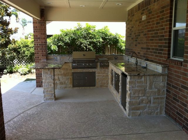 Outdoor Kitchens and Fireplaces - Contemporary - Patio ...