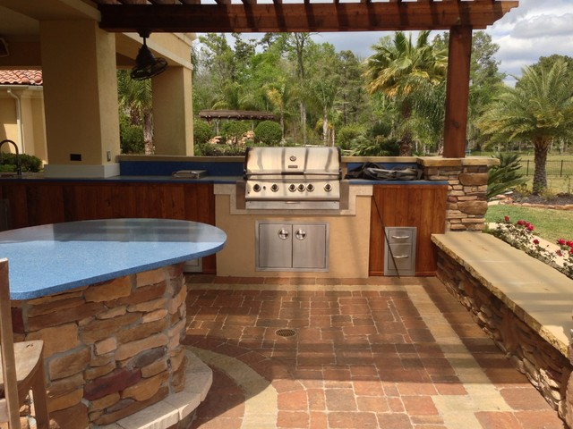Outdoor Kitchens Grills And Bars Traditional Patio