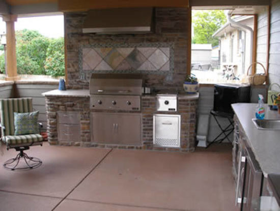 Outdoor Kitchens Traditional Patio