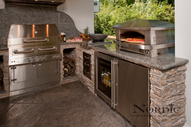 Outdoor kitchens traditional patio new orleans by for Outdoor kitchen ideas houzz