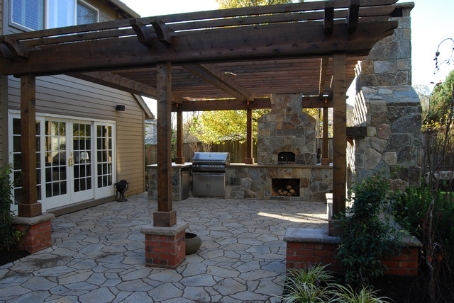 Outdoor living traditional patio portland by all for Tradition outdoor living
