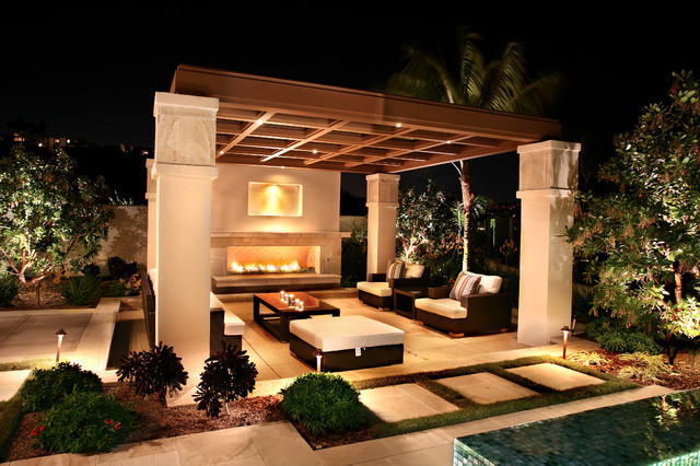 Outdoor living areas for Outdoor living areas with fireplaces