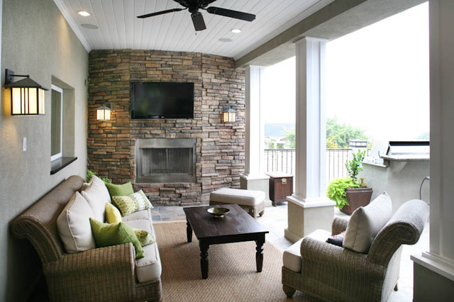 Outdoor Living At Its Best! traditional-patio