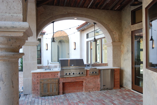Outdoor Living by Stadler Custom Homes mediterranean patio