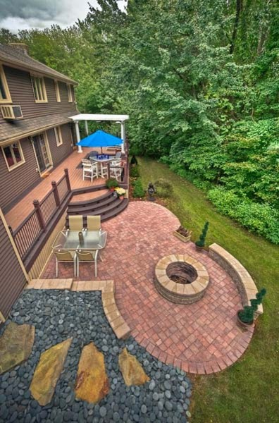 Outdoor Living - Deck and Pergola traditional-patio