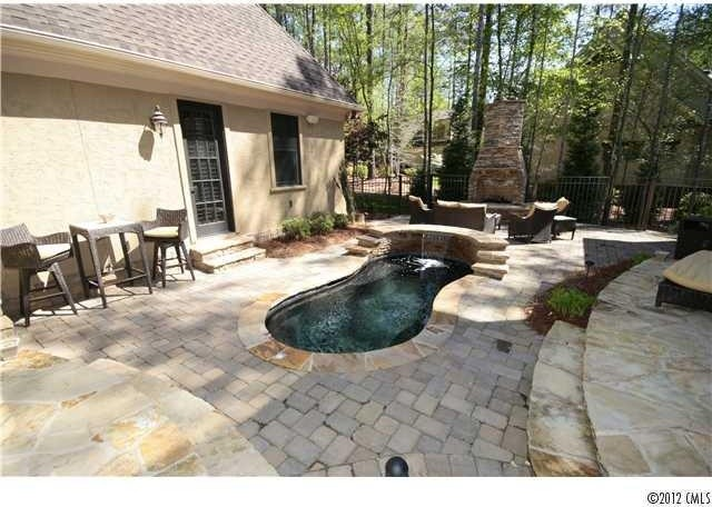 Outdoor living traditional patio charlotte for Tradition outdoor living