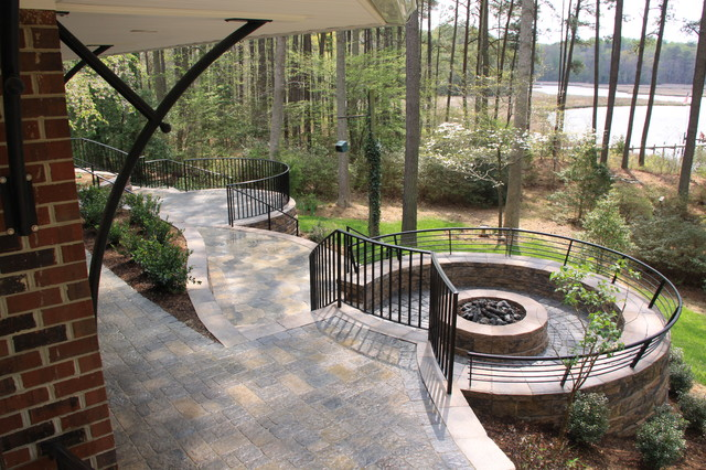 Outdoor Living on a Curve traditional-patio