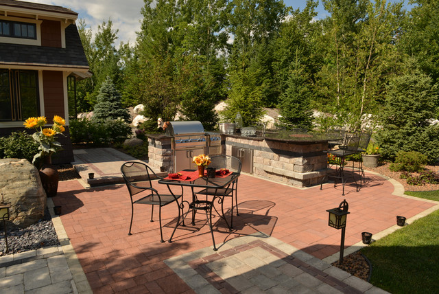 Outdoor Living/Patios, Paving, Flagstone & Stone traditional-patio