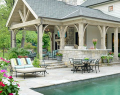 Outdoor Living Area traditional patio