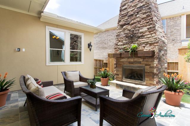 Outdoor Living Space contemporary-patio