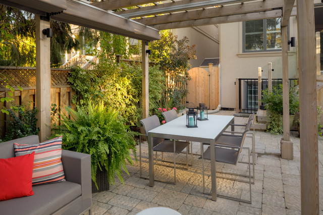 Outdoor Living Space traditional-patio