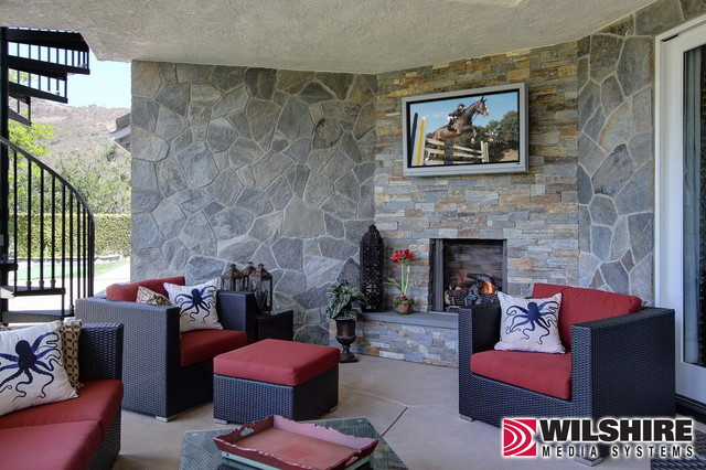Outdoor Living: Thousand Oaks traditional-patio