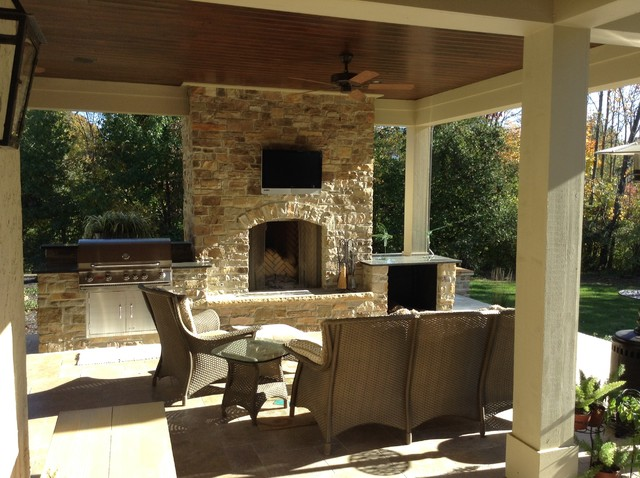 Outdoor Living (Travertine Pavers) Transitional Patio