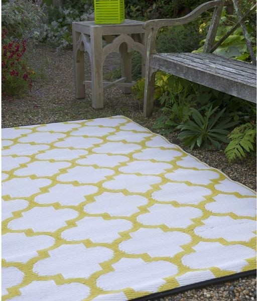 Perfect Outdoor Plastic Rugs Modern Patio