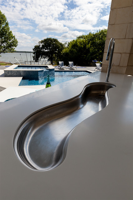 Outdoor Pool and Entertainment Area contemporary-patio