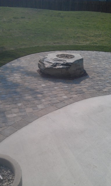 Outdoor rock fire pits traditional-patio