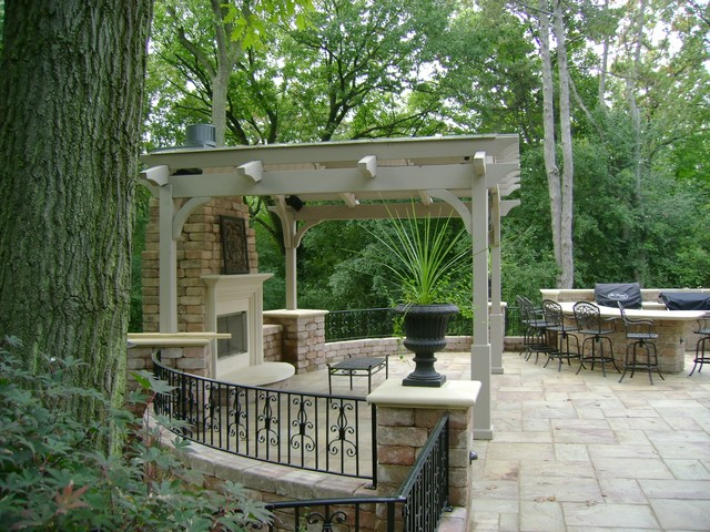 Outdoor Room traditional patio