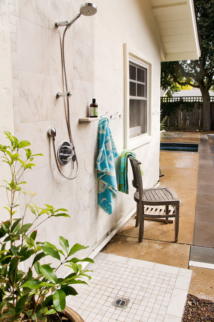 Outdoor Shower traditional pool