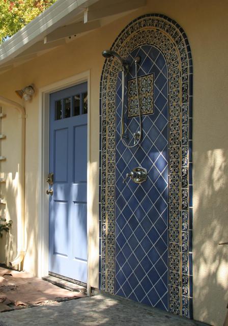 Outdoor shower mediterranean-patio