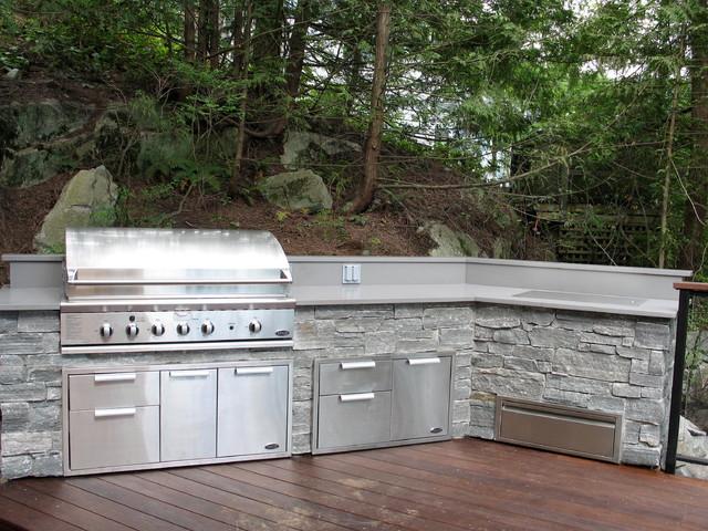 Outdoor Stone Kitchen & BBQ patio