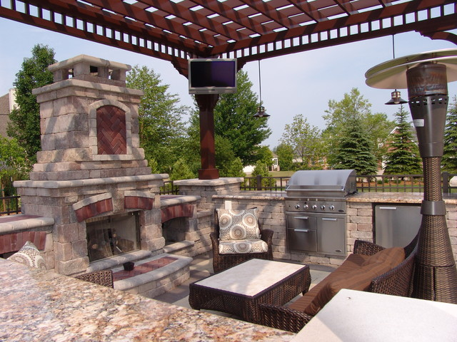 Outdoor tv and sound in outdoor kitchen pergola for Outdoor kitchen under pergola