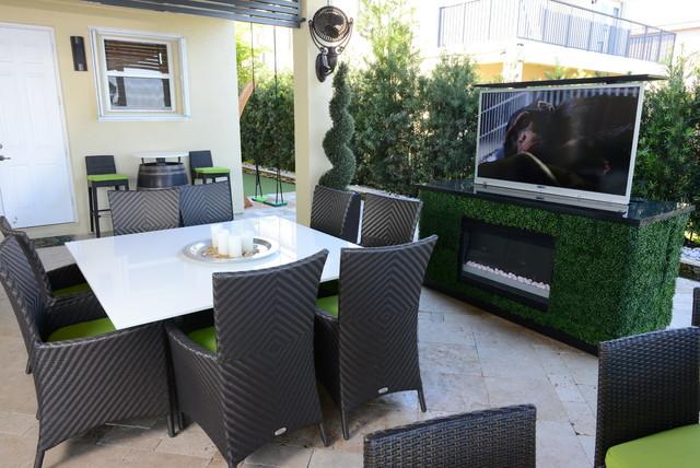 Outdoor TV Lifts